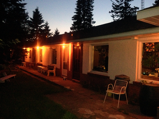 16. Thunder Bay International hostel outside night