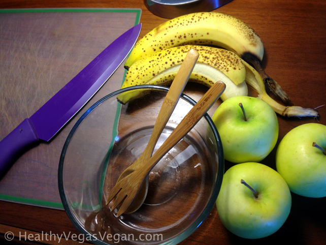 Raw apple pie breakfast bowl ingredients